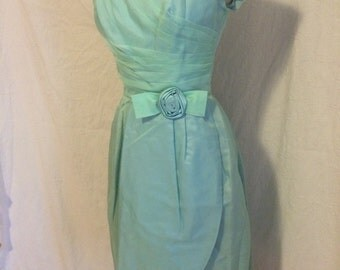 Beautiful formal vintage prom/party dress