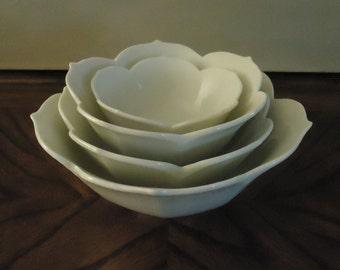 Vintage Set of 4 Nesting Lotus Bowls