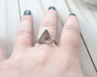 Open Space in Triangle Ring - Size 7