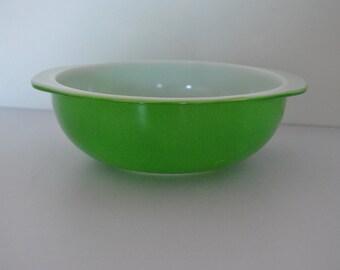 Green Apple  Pyrex 024 2 QT Cinderella Casserole Dish