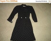 50% OFF Size 8 petite  Vintage dress rayon 40 inch bust 40 inch leng Liz Claibourne