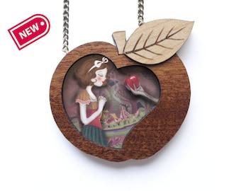 Snow White Necklace / Collar Blanca Nieves.