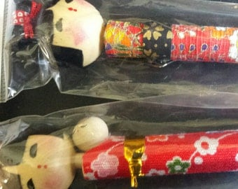 Bobble head pair of Kokeshi Doll Pens