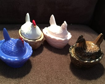 Awesome flock of vintage miniature ceramic nested chickens!