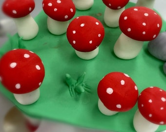 Fondant Toadstool cake/cupcake toppers