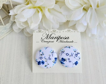Button earrings - Blue and white studs earrings - Floral earrings