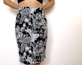 Graphic print Black and white pencil skirt