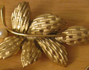 BSK Gold Tone Brooch Branch of Leaves with a Pearl