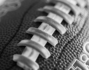 Football art, Canvas Sports decor, Sports art, Kids room decor, Football pictures, Canvas art, Boys room, Black & white sports // Football