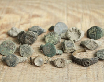set of 15 parts of Antique rings ... digging finds ... found in the ground ... antique jewelry ... found objects ... vintage ring
