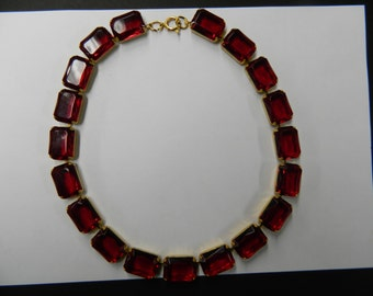 Vintage ruby wine red lucite stone necklace