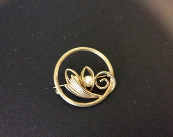 Vintage Amco 14k Gold Filled Brooch with Cultured Pearls