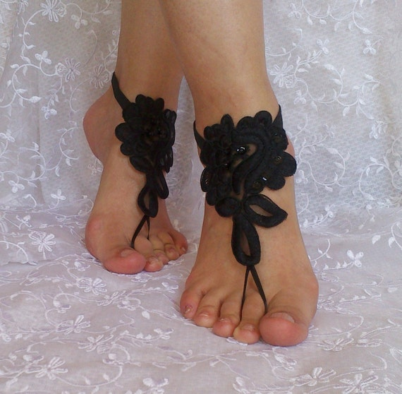 Free  ship bridal anklet, black or white lace sandals, Beach wedding barefoot sandals, bangle, anklet, anklet, bridal, bellydance, gothic