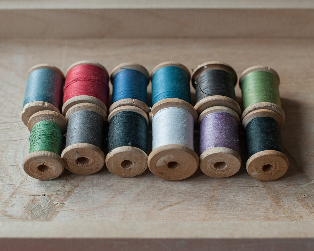 Lot Of 12 Vintage Wooden Thread Spools In Assorted Colors