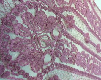 French chantilly scarf-color rose