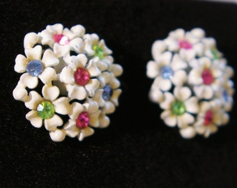 Vintage White Daisy Cluster Earrings with Rhinestone centers