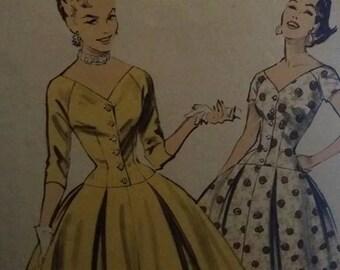 Advance 7793 Featured in vintage Mademoiselle magazine.