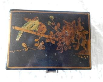 Beautiful Vintage Japanese Box with Birds