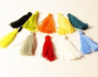 D-02930 - 10 Cotton Tassels mixed colors