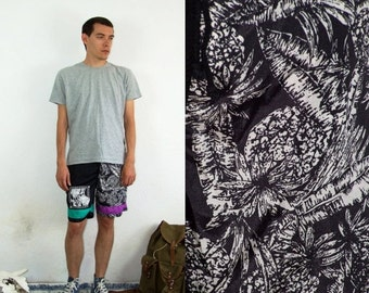 ON SALE 80's vintage men's black ananas printed shorts