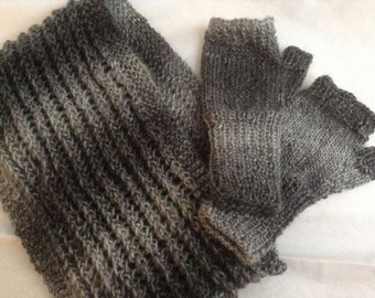 Set of Cowl & Fingerless Gloves for Woman, Knitted in Variegated Soft Yarn