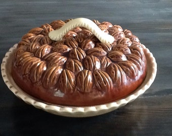 Vintage covered Pecan pie plate