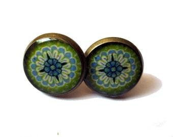 ETHNIC EARRINGS - GREEN studs - oriental Stud Earrings - Geometric Earrings - Maroccan jewelry - Ethnic jewelry - statement earrings
