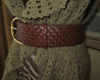 Woman's Vintage Genuine Leather Wide Belt , Medium Brown , Weaved Design , Etienne Aigner , Size Small to Medium.