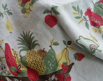 Vintage fruit & vegetable basket tablecloth