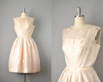 50s Dress // 1950's Champagne Organdy Dress w/ Embroidery & Appliqué // S - M