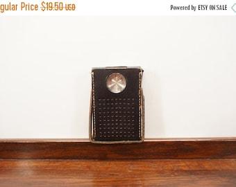 CLEARANCE SALE Vintage Realtone Model 1248 (7 Transistor) AM Pocket Radio w/Black Leather Slip Case