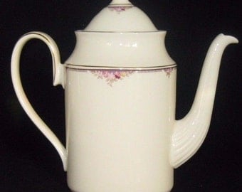 Minton Lyndhurst Coffee Pot Bone China Made In England Mint Condition (D)