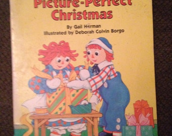 Raggedy Ann Picture-Perfect Christmas