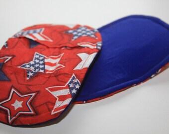 Festive patriotic pot pinchers, oven mitts, pot holders