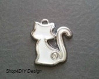 Sitting White Cat Charm with Rhinestone