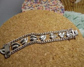 Vintage Rare Napier Pat Pend Sterling Silver 'Leaf' Motif Bracelet