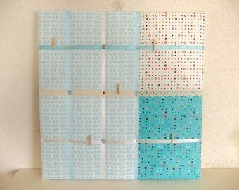 Memo board with ribbons