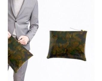 Premium Spanish leather handbag printing camouflage exclusive Bahban. Made in Spain.