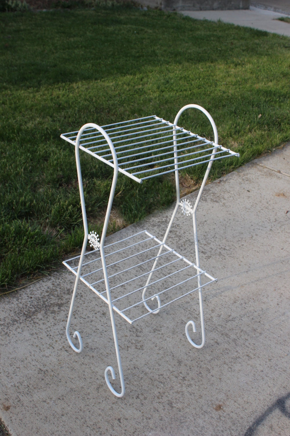 vintage white wire plant stand metal rack by queenieseclectic