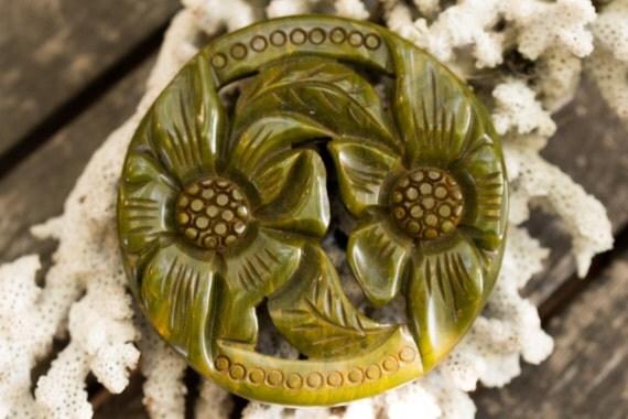 Green Round Floral Bakelite Pin