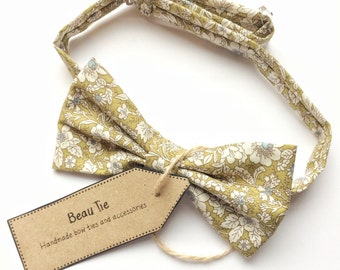 mens bow tie floral green - floral bow tie - cotton bow tie - green bow tie