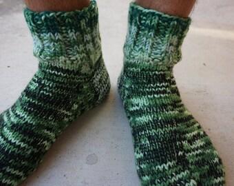 Mens Knitted Socks - size 10-11 US/AU