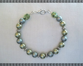 green bracelet, swarovski bracelet, swarovski, light green, green, frosted green