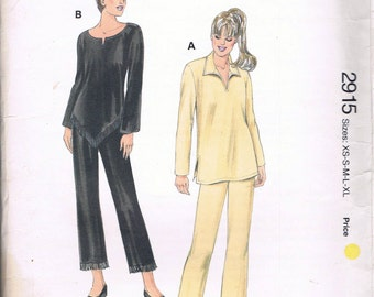 Size XS-XL Misses'  Sewing Pattern - Pull On Straight Leg Pants Pattern - Pull Over Top With Triangle Hem Pattern - Kwik Sew 2915