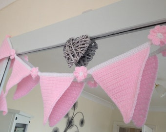 Pink Bunting with flowers crochet, 10 flags. With a loop on each end for hanging. Length 221cm Party bunting, baby bunting, baby shower