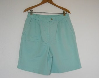 FREE usa SHIPPING 1980s  vintage women's high waist pleated shorts mint green cotton polyester size 10