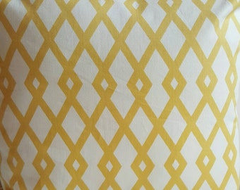 Geometrical Lattice Print Robert Allen Fret Butter White and Yellow Color Decorative Throw Accent Indoor Pillow Cover with Hidden Zipper