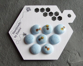 Fabric Covered Buttons - 8 x 15mm Buttons, Handmade Button, Blue Buttons, Bee Buttons, Busy Bee Trail Buttons, Insect Buttons, Animals,2232