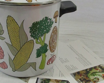 Vintage San Ignacio Enamel Stock Pot Made in Spain Lobster Vegetable Steamer Pot Included Original Steam Basket Insert 3 Piece Set