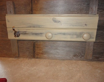 Antique White Coat Hooks, Key Holder, Key Hook Rack, Wall Organizer, Rustic Entryway Hook Display Board